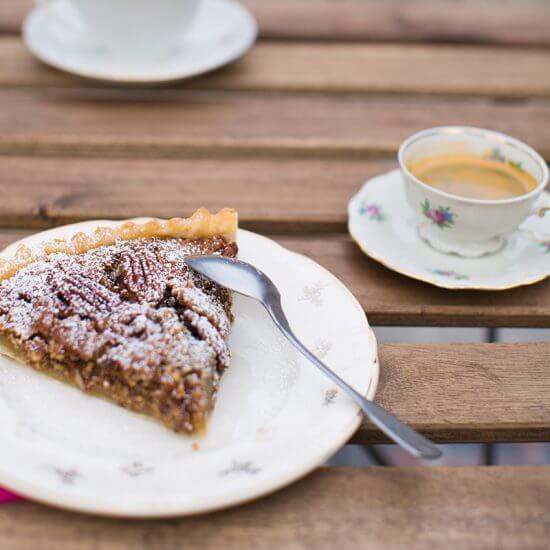 Pecannotentaart bij Koffiehuis Kattekwaad